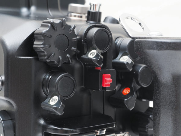 Sea_and_Sea_MDX_D500_06179_underwater_housing_detail_8